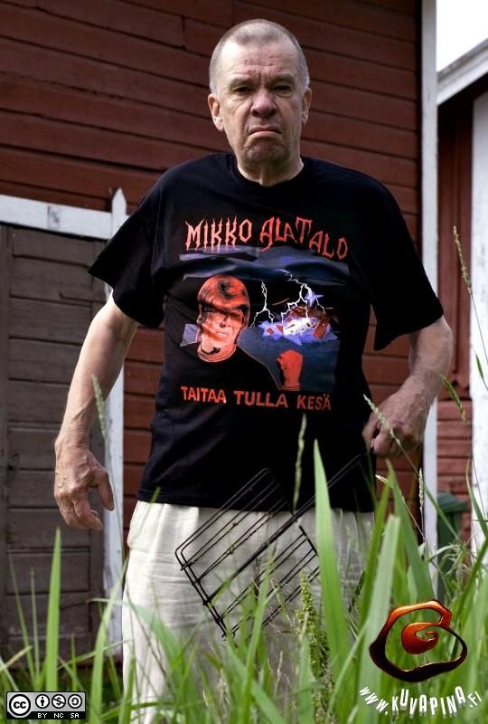 Mikko-shirt in real life.